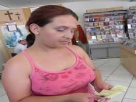 cca5febea88 ... foi vítima de um golpe pelo telefone. Segundo a vendedora Daiane  Cristina Gomes